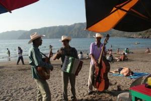 beach musos in mexico